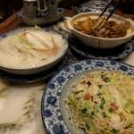 老記海鮮粥麺菜館 - 白菜とフカヒレスープ、揚子江チャーハン、臓物