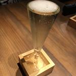 大衆ビストロ 煮ジル - 溢れスパークリングワイン500円