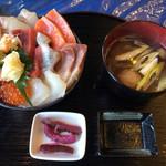 71775626 - 特上海鮮丼  1950円