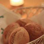 万平ホテル メインダイニングルーム - パン