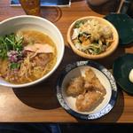 金嶋 - 「唐揚げセット(淡麗鶏そば)」880円