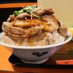 中華料理 西華 - 肉丼近影1