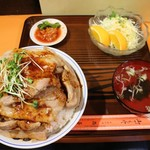 中華料理 西華 - 肉丼