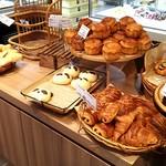 シェ・リュイ - 飾られているパン達