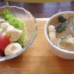 濱珈琲 - プチサラダと味噌汁
