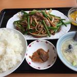 中国料理 東昇餃子楼 - 日替わりC定食       牛肉とニンニクの芽炒め750円