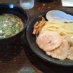 71788774 - 豚骨つけ麺  (860円)