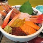 味鮮まえかわ - 5色丼(\1,620)