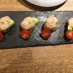 貝料理専門店 貝しぐれ - エビ、ホタテ、アボカドのカクテルサラダ 見た目もステキ、味もおいしい、最高~☆ 2017/07/09