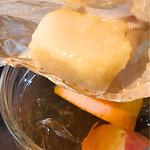 桃の農家カフェ ラペスカ - アイスティーにジュレを入れて頂きます