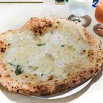 ラ・トリプレッタ - 料理写真:クワトロフォルマッジョ