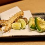 天ぷらと日本酒 明日源 - 松茸の天ぷら&アボカドの天ぷら