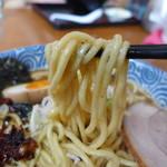 佐とう - もっちもちの太麺。