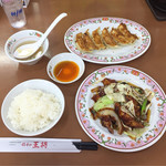 餃子の王将 - 鶏の味噌炒め ライス 餃子