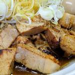 麺処なかがわ - 辛口らーめん+全のせ(チャーシューアップ)
