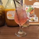 71801939 - イチゴ&ぶどう酢(ソーダ割)