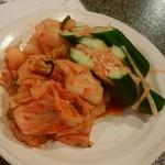 焼肉黒江 - 料理写真:キムチ盛り合わせ