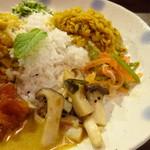 とびうおkitchen - スリランカカレープレート(べジ)