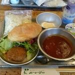 和食 古宮 - 揚げパンとソフト麺がついている。