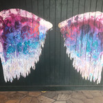 Island Vintage Coffee Hale'iwa Store Lots - ハレイワのインスタスポット2 天使の翼