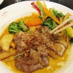 文化洋食店 - 愛知県産知多さわやかポーク肩ロース肉のグリル・ガーリック風味。税込1300円