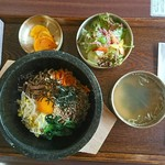 黒毛和牛炭火焼肉と元祖信州冷麺 縁 -