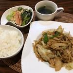 ジパング - 日替わりごはん(豚と野菜のキムチ炒め)税込¥700