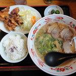 ラーメン王国夢吉 - 鶏パイタンセット(若鳥から揚げ・小ライス)