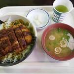 蒜山高原サービスエリア(下り線) フードコート - 料理写真:岡山デミカツ丼¥750-