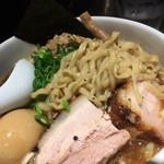 麺屋武蔵 虎嘯 - 虎嘯(胡椒)麺。麺に胡椒が混ぜ込んであるそうです。
