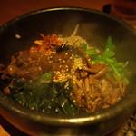 ろくのぶ - 石焼肉味噌ビビンバ