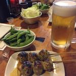 焼鳥 弁天 - ビールとつくね。