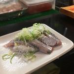 那古野寿司 - イワシは大ぶり、脂が載って美味!