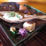 千松しま - 里芋、小豆、南京、つと蒸し、麩田楽に菊花。