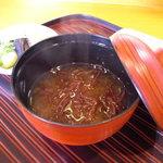 千松しま - ふのりの味噌汁。