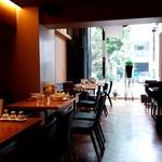 カユ デ ロワ - 1階の店内