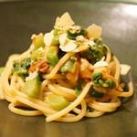 イルネッソ - 菜の花と赤海老のパスタ
