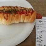 ベーカリーカフェ デリーナ - ウインナーロール 200円