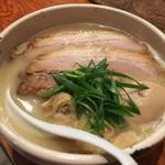 臥龍 - 炙りチャーシュー麺