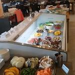 Bali Bali バーベQ - 料理は大型ストッカーの中へ