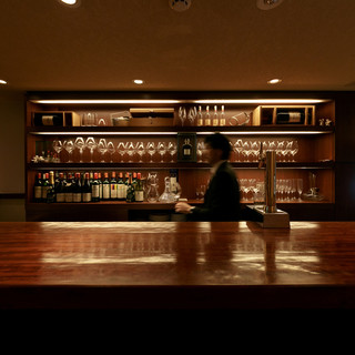 レストラン&ワインバー。2度楽しめる贅沢な大人の時間♪