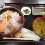 お食事処 かいがん - 特上海鮮丼 酢飯
