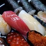 鮨こく - 鯛、マグロ、イカ、サバです。