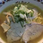 池田屋ごんちゃん - ガラが強めの豚骨醤油