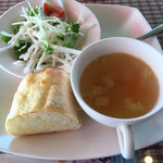 ラ・イルマーレ - 野菜スープ、フォカッチャ、サラダ