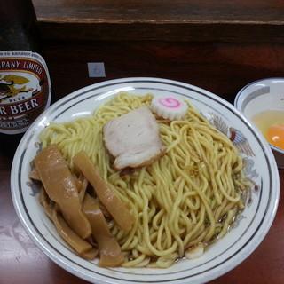 珍々亭 - 料理写真:油そば(大)/生玉子(別皿)/大瓶2017.8.19
