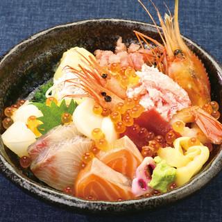 鮮度にこだわり!本日の特上海鮮丼