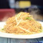 香港 贊記茶餐廳 - 香港風焼きそば@税込700円:その湯気、闘気のごとく(笑)