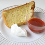 季節のシフォンケーキ
