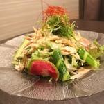 九州薩摩地鶏 薩摩次郎 - 地鶏の棒棒鶏サラダ